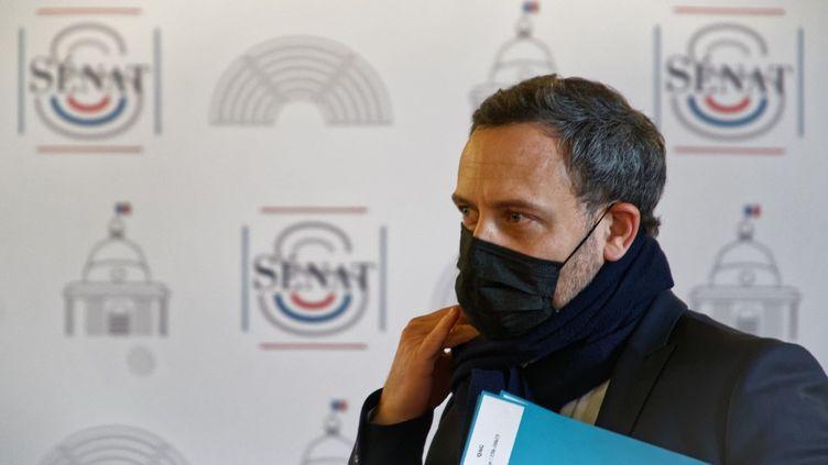 Le secrétaire d'Etatchargé de l'Enfance et des Familles, Adrien Taquet, lors d'une séance de questions au gouvernement, le20 janvier 2021 au Sénat. (DANIEL PIER / NURPHOTO / AFP)