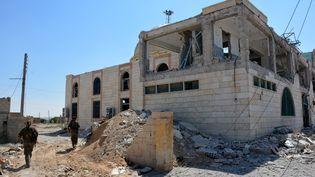 Les Forces démocratiques syriennes ont lancé la bataille de Raqqa le 6 juin 2017 pour déloger le groupe Etat islamique. Au-delà du difficile combat dans la ville, l'enjeu porte sur l'avenir de la Syrie et de son régime. (MAXPPP)