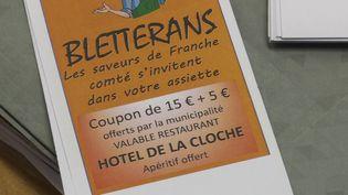 Les coupons-repas vendus par la municipalité ont d'une valeur de 20 euros mais ne coûtent que 15 euros au client. Le reste est pris en charge par la commune. (France 3 Franche-Comté)