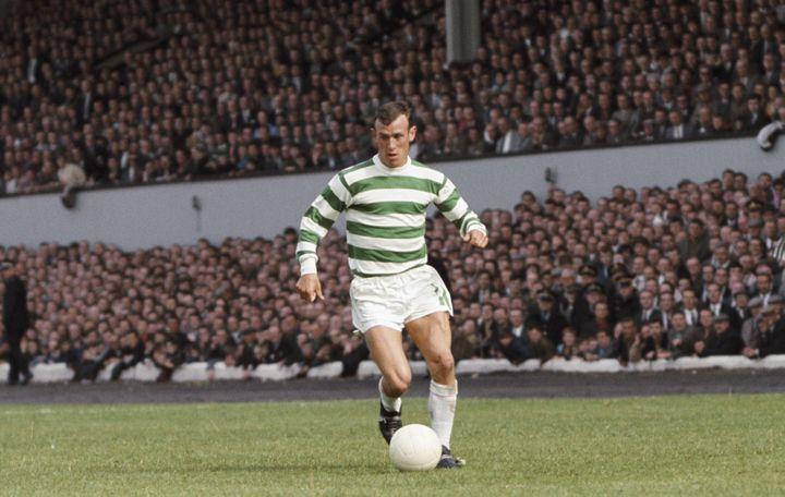 Le joueur du Celtic, Bobby Lennox, lors d'un match amical face à Tottenham, en août 1967, à Celtic Park. (GETTY IMAGES / HULTON ARCHIVE)