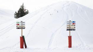 À partir de ce samedi 6 février et ce, jusqu'au dimanche 7 mars, de 9 heures à 16 h 30, Courchevel ouvre une piste réservée au ski alpin, damée et sécurisée. (ALEXIS SCIARD / MAXPPP)