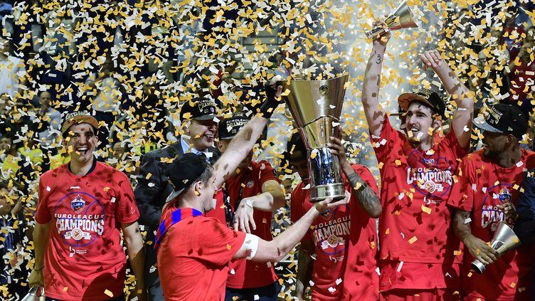 Le CSKA Moscou fête son titre de 2016. (JOHN MACDOUGALL / AFP)