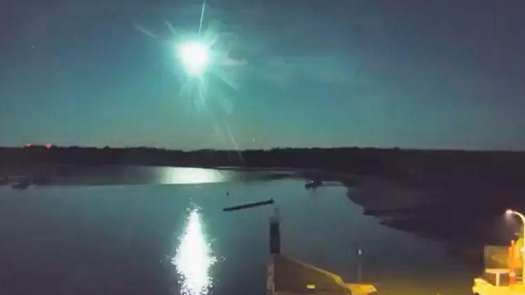 La webcam du port d'Arzal (Morbihan) dans la nuit du dimanche 5 septembre 2021, à 23h47. (CAPTURE D'ECRAN)