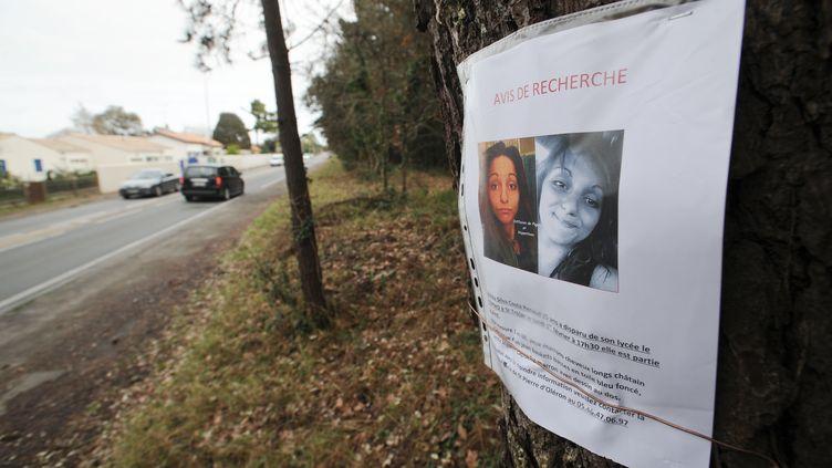 Un avis de recherche avait été placardé dans toute l'île d'Oléron depuis qu'Alexia, 15 ans, y avait disparu, le 1er février 2016. (XAVIER LEOTY / AFP)