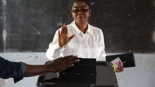 Rose Christiane Ossouka Raponda, ex-maire de Libreville, lors de sa participation aux élections législatives de 2018. (JOEL TATOU / AFP)