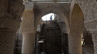 Les vestiges de la mosquée des Neuf Dômes, une des plus anciennes du monde, dans la province de Balkh, ans le nord de l'Afghanistan. (FARSHAD USYAN / AFP)
