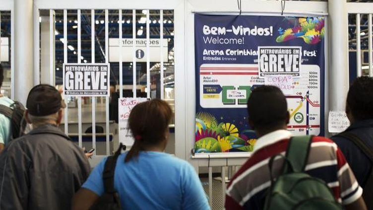 (A une semaine du mondial, le métro de São Pauloa est paralysé par une grève © MAXPPP / Sebastiao Moreira / EPA)