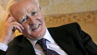 L'ex-espion devenu maître du roman d'espionnage, John Le Carré, le 10 janvier 2007 à Barcelone en Espagne. (GUIDO MANUILO / EFE)