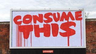 """""""Consume This"""" - Artiste : Eyesaw - Lieu : Manchester  (Eyesaw - Brandalism.org.uk)"""