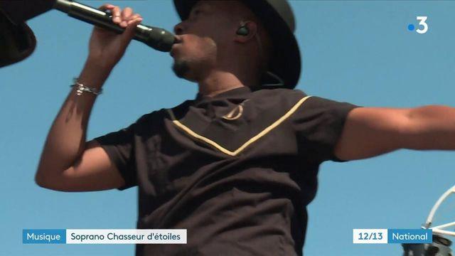 """Le rappeur Soprano revient avec un nouvel album, """"Chasseur d'étoiles"""". À cette occasion, il a donné un concert privé à Marseille (Bouches-du-Rhône) pour ses fans, dimanche 5 septembre."""