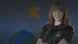 HayleyArceneauxa été choisie pour voyager dans l'espace à bord deSpaceX. La jeune femme, survivante d'un cancer, dédie cette aventure aux enfants malades. (FRANCEINFO)