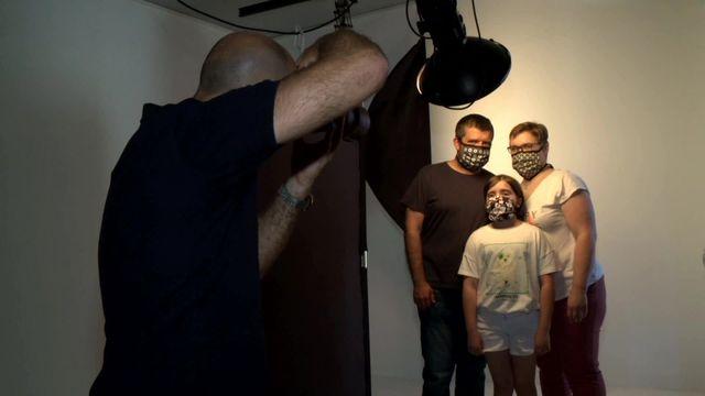 Le masque dans l'objectif d'un photographe palois