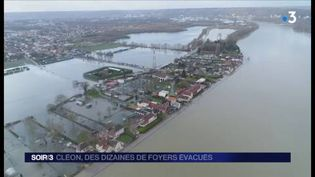 Des quartiers de Cléon ont les pieds dans l'eau. (FRANCE 3)