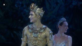 """Paul Marque nommé étoile le 13 décembre, à l'issue de la retransmission de """"La Bayadère"""" sur la plateforme numérique de l'Opéra (Capture d'écran Opéra de Paris)"""