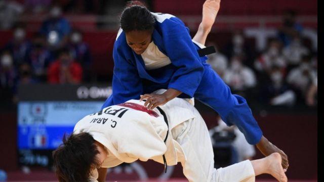 Revivez le combat de Clarisse Agbegnenou face à Chizuru Arai en finale.