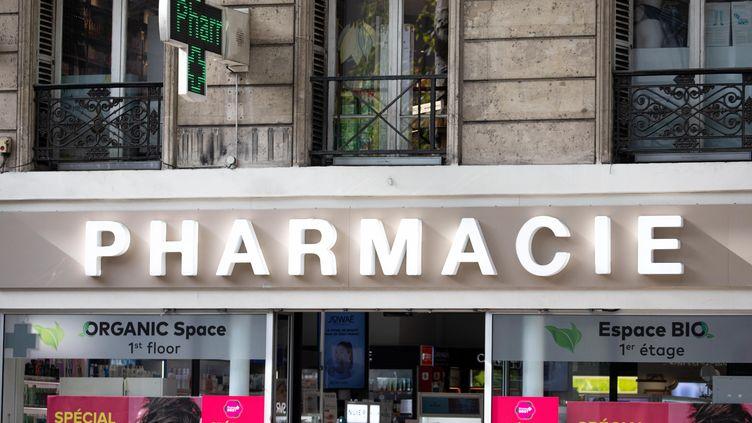 La devanture d'une pharmacie à Paris,le 16 octobre 2019. (CHRISTOPHE MORIN / MAXPPP)