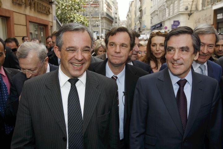 De gauche à droite, Thierry Mariani, Renaud Muselier et François Fillon, le 18 mars 2010, lors de la campagne des régionales, à Marseille. (IAN HANNING / REA)