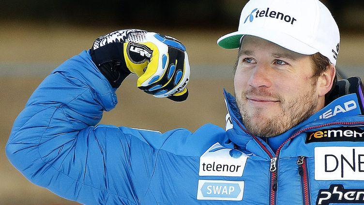 Le Norvégien Kjetil Jansrud montre les muscles à Val d'Isère (GUILLAUME HORCAJUELO / EPA)