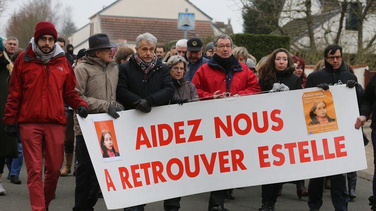 Une marche silencieuse en hommage a Estelle Mouzin, le 7 janvier 2017 à Guermantes (Seine-et-Marne), disparueà l'âge de 9 ansen 2003. (MAXPPP)