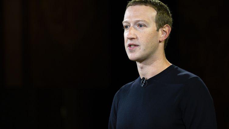Le fondateur et patron de Facebook,Mark Zuckerberg, lors d'une conférence à l'universitéGeorgetown, à Washington, le 17 octobre 2019. (ANDREW CABALLERO-REYNOLDS / AFP)