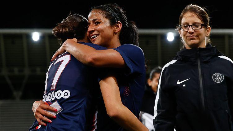 Aurélie Kaci et Shirley Cruz, joueuses du PSG (ANTHONY MASSARDI / MAXPPP)