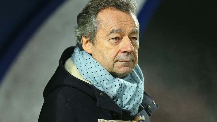 Michel Denisot à Créteil le 17 février 2017, à l'occasion d'un match de football entre l'US Créteil et le club de Châteauroux (ANTHONY MASSARDI / MAXPPP)