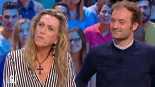 """Capture d'écran du """"Grand Journal"""", montrant Brigitte Boréal (à gauche) au côté d'Augustin Trapenard, lundi 5 septembre 2016. (CANAL + / FRANCE INFO)"""