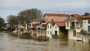 Des inondations à Peyrehorade (Landes), le 14 décembre 2019. (GAIZKA IROZ / AFP)