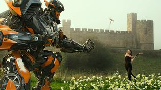 """""""Transformers - The Last Knight"""" de Michael Bay  (Paramount Pictures. All Rights Reserved. HASBRO, TRANSFORMERS, and all related characters are trademarks of Hasbro. / Paramount Pictures/Bay Films)"""