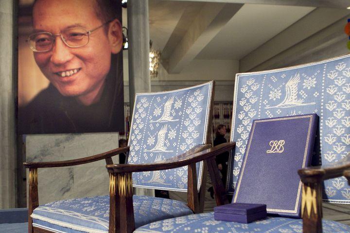 La chaise vide de Liu Xiaobo lors de la cérémonie de récompense du prix Nobel de la paix, le 10 décembre 2010 à Oslo. (HEIKO JUNGE / SCANPIX NORWAY)