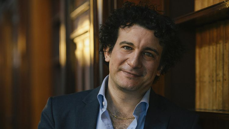 Le chef Alain Altinoglu  (DIRK WAEM / BELGA / AFP)