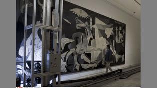 """""""Guernica"""" de Pablo Picasso, étude scientifique de l'oeuvre au musée mardilène de la Reine Sofia  (Paul White/AP/SIPA)"""
