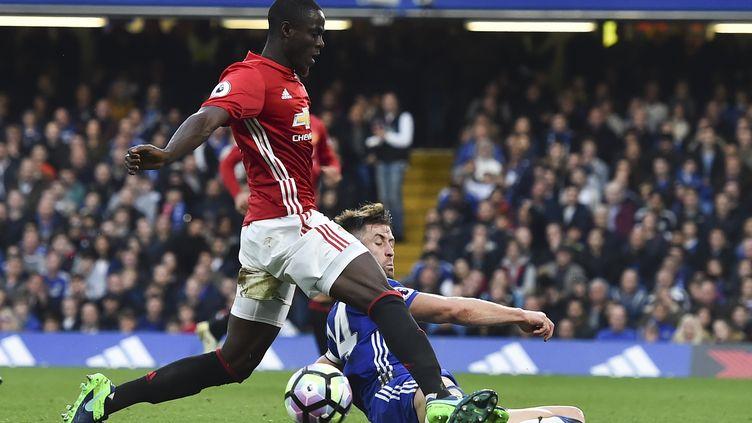 """Le défenseur ivoirien Eric Bailly s'est """"gravement blessé"""" d'après son entraîneur.  (GLYN KIRK / AFP)"""