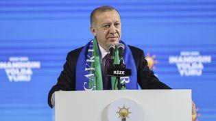 Le président turc, Recep Tayyip Erdogan, s'exprime lors d'un congrès, à Rize (Turquie), le 15 février 2021. (EMIN SANSAR / ANADOLU AGENCY / AFP)