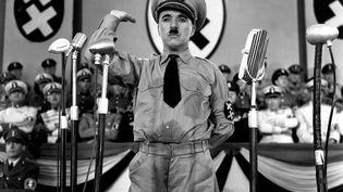 Charlie Chaplin interpète The Great dictator, en 1940. (PHOTO12.COM / COLLECTION CINEMA / AFP)