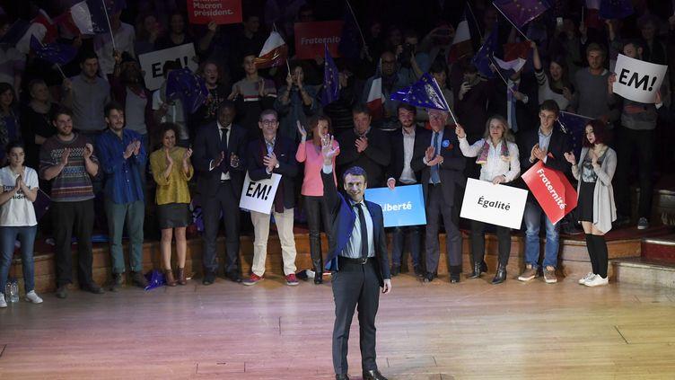 Emmanuel Macron, lors d'une allocution aux Français expatriés à Londres, le 21 février 2017. (TOBY MELVILLE / REUTERS)