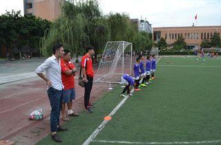 """A Chengdu (Chine), Ruan Ruofei présente sa méthode """"à la française"""" à d'autres entraîneurs. (JEREMY DOCTEUR ET VICTOR LE BOISSELIER)"""