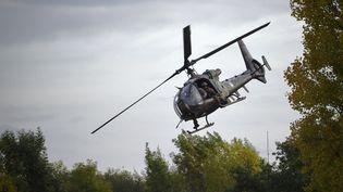 Un hélicoptère Gazelle des forces spéciales françaises lors d'un exercice à Versailles en octobre 2017. (ERIC FEFERBERG / AFP)