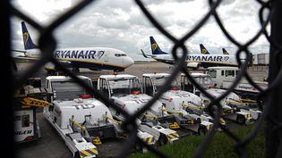 En cas de rejet de l'accord salarial par le personnel, la direction de Ryanair dit vouloir supprimer 20% de ses effectifs en France, soit 50 salariés. (OLI SCARFF / AFP)