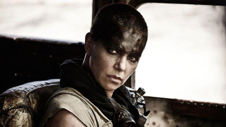 "Charlize Theron incarne Imperator Furiosa, dans ""Mad Max : Fury Road"", de George Miller (2015). (WARNER BROS FRANCE )"