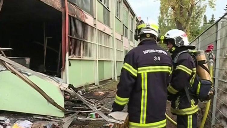 À Béziers (Hérault), une école et un collège ont été incendiés dans la nuit du jeudi 31 octobre au vendredi 1er novembre. La rentrée s'annonce difficile pour près de 300 enfants. (FRANCE 3)