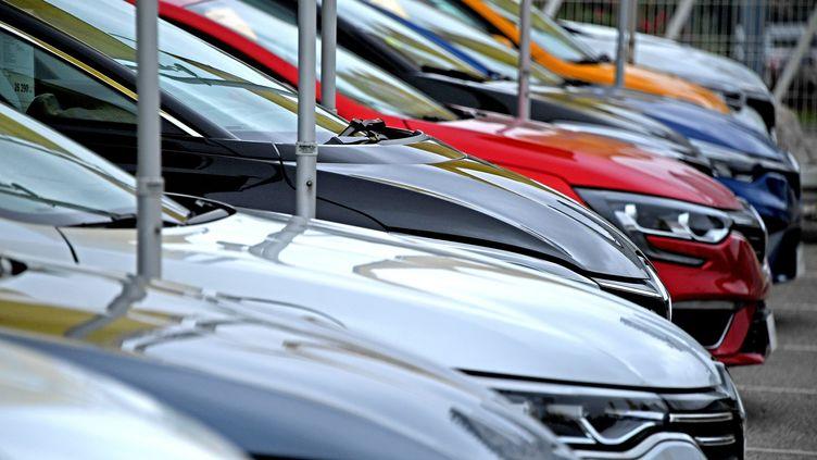 L'industrie automobile est contrainte de réduire sa cadence de production de voitures, à cause de la pénurie de puces électroniques. (RICHARD MOUILLAUD / MAXPPP)