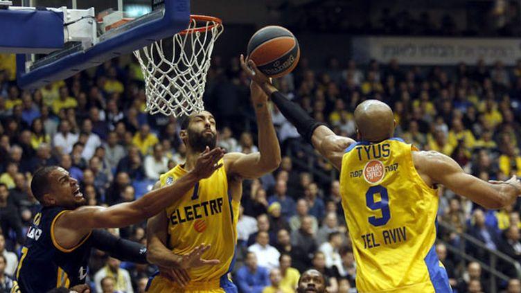 Les joueurs du Maccabi ont chuté face à l'Alba Berlin (ABIR SULTAN / MAXPPP)