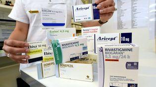 À partir du 1er août 2018, ces quatre médicaments anti-Alzheimer, Aricept, Ebixa, Exelon et Reminyl ainsi que leurs génériques ne seront plus remboursés. (ALEXANDRE MARCHI / MAXPPP)
