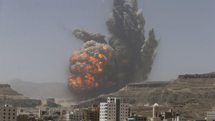 Sanaa, capitale du Yémen bombardée par l'aviation saoudienne le 20 avril 2015 (  REUTERS)