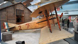 """L'avion Spad VII """"Le vieux Charles"""" que pilotaitGeorges Guynemer durant la Première Guerre mondiale. (ARNAUD BEINAT / MAXPPP)"""
