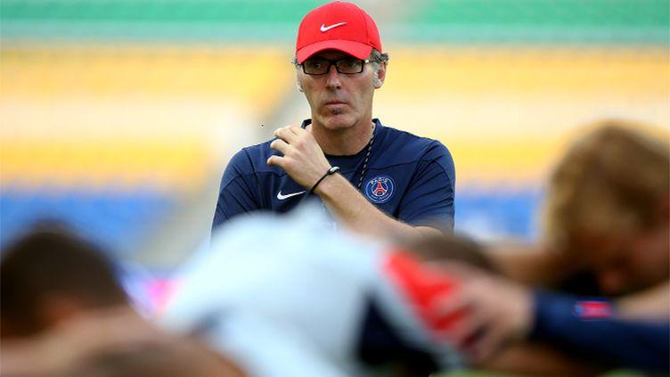 Le championnat n'a pas commencé, mais Laurent Blanc est peut-être déjà sur un siège éjectable.  (FRANCK FIFE / AFP)