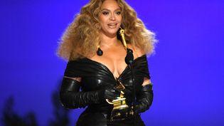 La chanteuse Beyoncé, le 14 mars 2021 à Los Angeles (Californie, Etats-Unis). (KEVIN WINTER / GETTY IMAGES NORTH AMERICA / AFP)