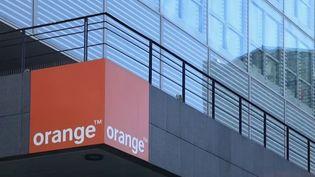 Une nouvelle panne d'ampleur semble affecter le réseau de l'opérateur Orange, mardi 19 octobre. Certains numéros de téléphones portables ne sont plus accessibles.  (CAPTURE D'ÉCRAN FRANCE 2)