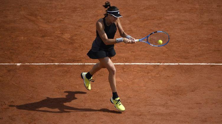 La numéro 3 mondiale Garbine Muguruza a éliminé Fiona Ferro au 2e tour de Roland-Garros. (ERIC FEFERBERG / AFP)